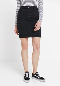 Vero Moda - VMHOT NINE PENCIL SKIRT MIX - Falda de tubo - black - 0