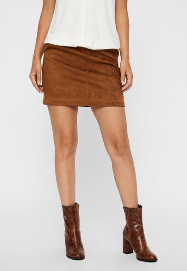 Vero Moda - VMDONNA DINA - Mini skirt - cognac