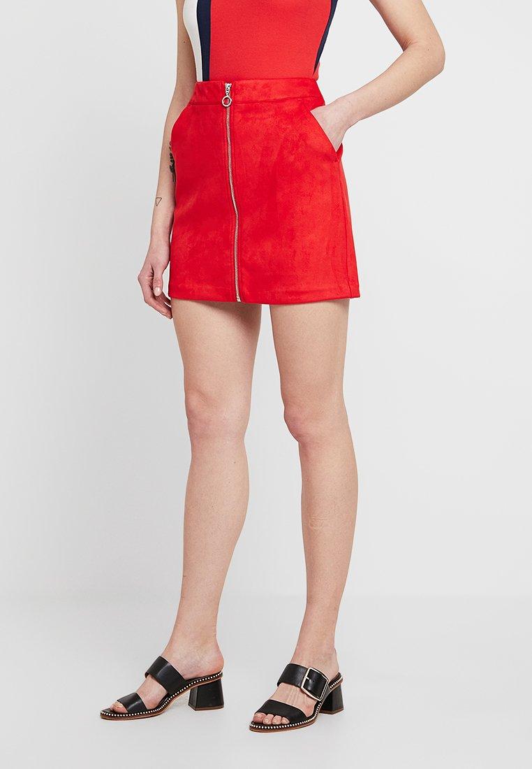 Vero Moda - REGULAR FIT - Gonna a campana - chinese red