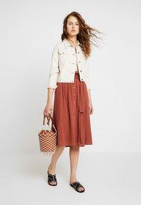 Vero Moda - Áčková sukně - mahogany - 1