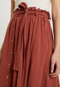 Vero Moda - Áčková sukně - mahogany - 4