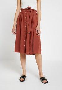 Vero Moda - Áčková sukně - mahogany - 0