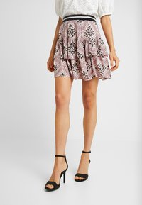 Vero Moda - VMAMSTERDAM LAYER SHORT SKIRT - Pleated skirt - misty rose - 0