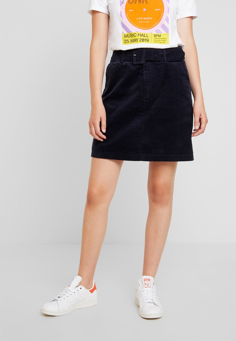 Vero Moda - VMLEVI SHORT SKIRT - A-Linien-Rock - night sky