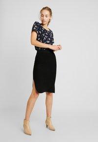 Vero Moda - VMNANCY PENCIL SLIT SKIRT - Pencil skirt - black - 1