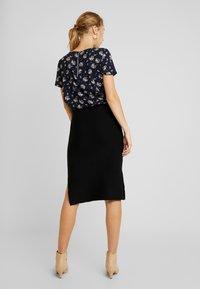 Vero Moda - VMNANCY PENCIL SLIT SKIRT - Pencil skirt - black - 2