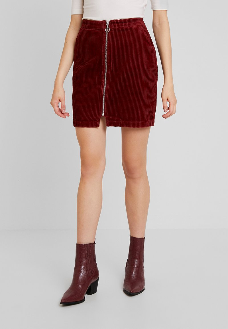 Vero Moda - VMLOLA ZIPPER SKIRT - Mini skirt - madder brown