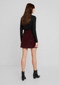 Vero Moda - VMKARINA A-SHAPE SHORT - A-line skirt - port royale - 2