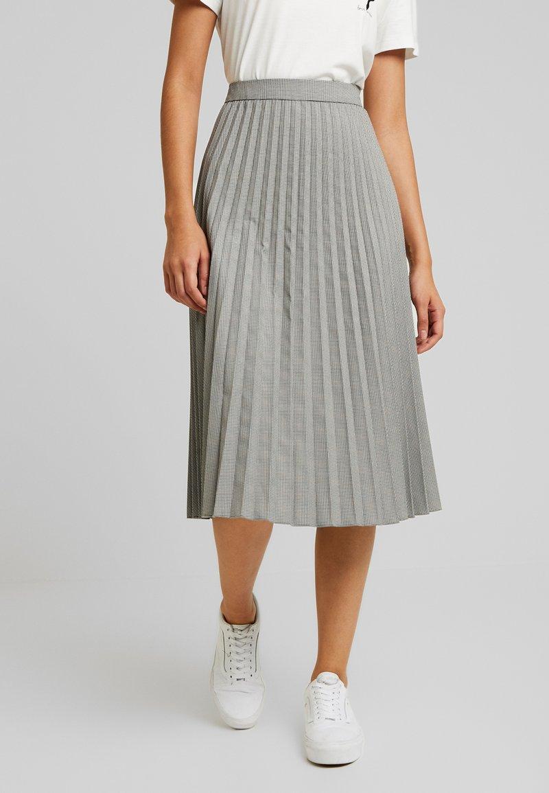 Vero Moda - VMELEANOR CALF SKIRT - Plisovaná sukně - coffee bean