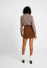 Vero Moda - VMJARROW SHORT SKIRT - A-line skirt - tortoise - 2
