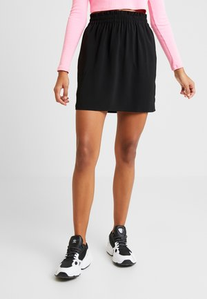 VMJARROW SHORT SKIRT - Jupe trapèze - black