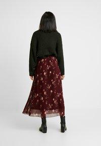 Vero Moda - VMFALLIE PLEATED SKIRT - Plisovaná sukně - port royale - 2