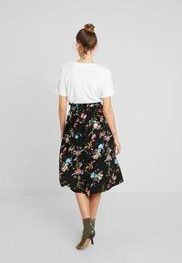 Vero Moda - VMABBIE SKIRT - Áčková sukně - black - 2