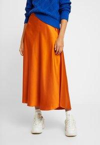 Vero Moda - VMCHRISTAS  - Plisovaná sukně - cinnamon stick - 0