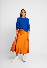 Vero Moda - VMCHRISTAS  - Plisovaná sukně - cinnamon stick - 1