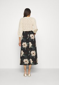 Vero Moda - VMSIMPLY EASY SKIRT - Gonna a campana - black - 2