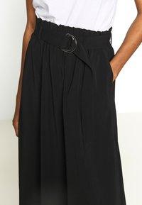 Vero Moda - VMCOC SKIRT - Áčková sukně - black - 5
