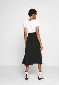 Vero Moda - VMCOC SKIRT - Áčková sukně - black - 2