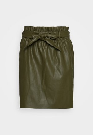 VMAWARDBELT SHORT COATED SKIRT - Spódnica trapezowa - ivy green