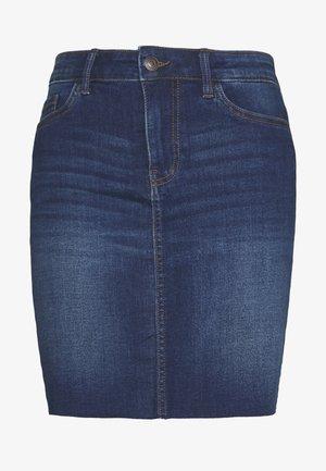 VMSEVEN SHORT CUT OFF SKIRT - Spódnica jeansowa - medium blue denim