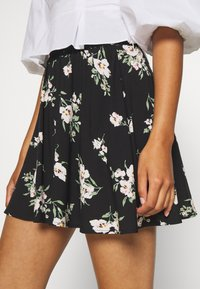 Vero Moda - VMSIMPLY EASY SKATER SKIRT - Gonna a campana - black - 5