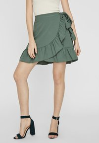 Vero Moda - ROCK WICKEL - A-lijn rok - laurel wreath - 0