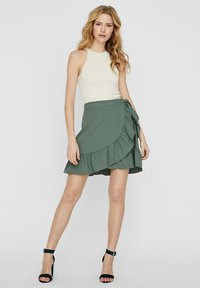 Vero Moda - ROCK WICKEL - A-lijn rok - laurel wreath - 1