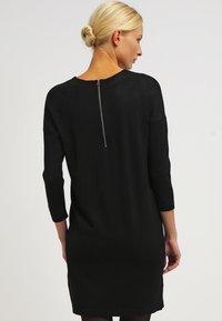 Vero Moda - VMGLORY 3/4 VIPE AURA DRESS - Stickad klänning - black - 2