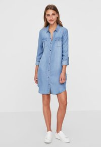 Vero Moda - Dongerikjole - light blue denim - 1