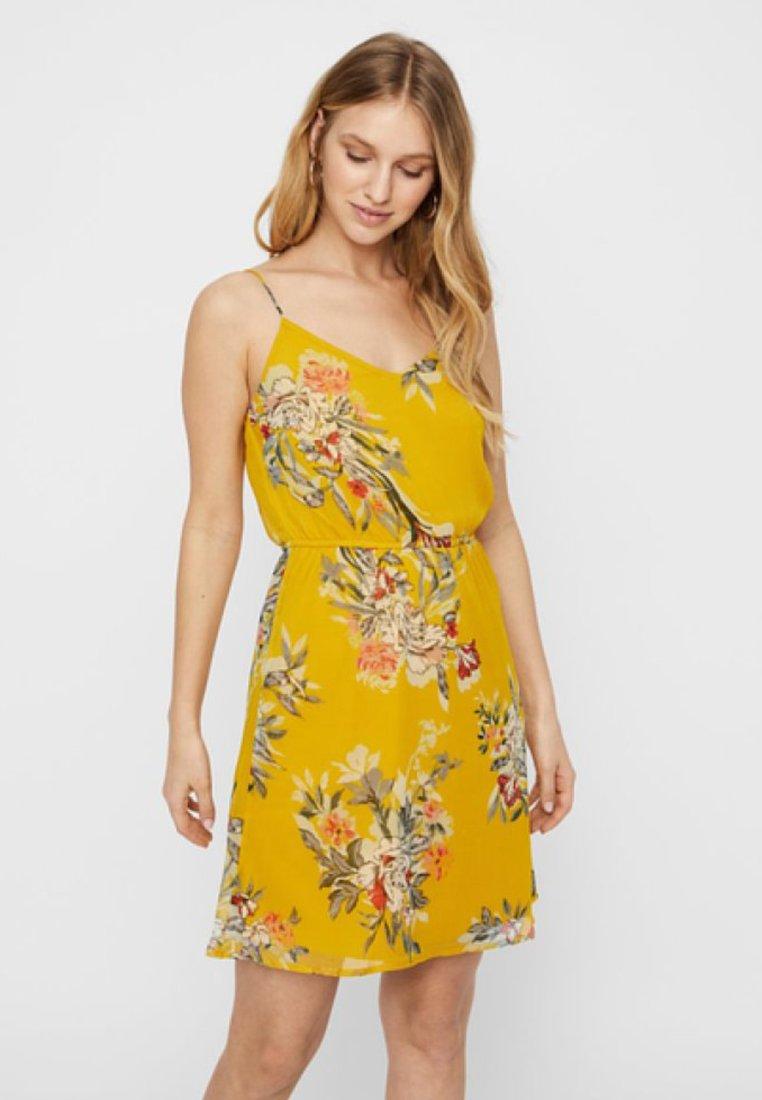 Vero Moda - Vapaa-ajan mekko - yellow