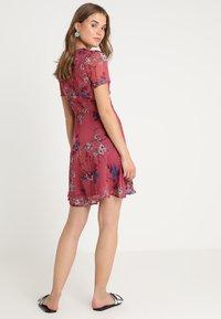 Vero Moda - VMKATINKA SHORT DRESS - Denní šaty - dry rose - 2