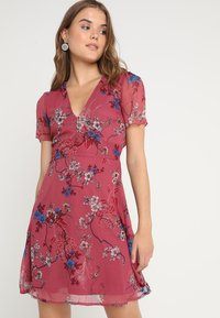 Vero Moda - VMKATINKA SHORT DRESS - Denní šaty - dry rose - 0
