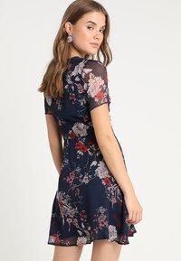 Vero Moda - VMKATINKA SHORT DRESS - Denní šaty - navy blazer/katinka - 2