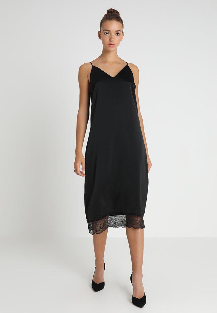 Vero Moda - VMFRIDAY SINGLET DRESS - Vardagsklänning - black