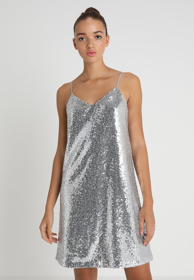 Vero Moda - VMSILVYA SINGLET SHORT DRESS - Cocktailkleid/festliches Kleid - silver