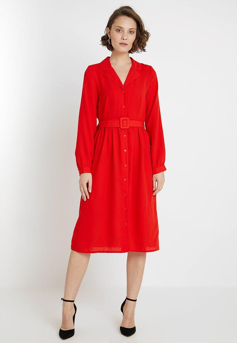 Vero Moda - VMVICKI CALF DRESS - Blousejurk - fiery red