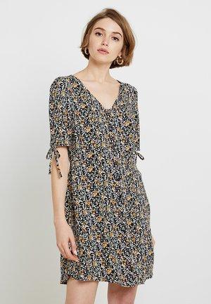 VMSIMPLY BUTTON SHORT DRESS - Košilové šaty - black