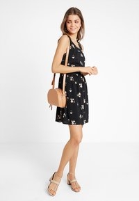 Vero Moda - VMSIMPLY EASY SHORT DRESS - Vestito estivo - black/anya - 1