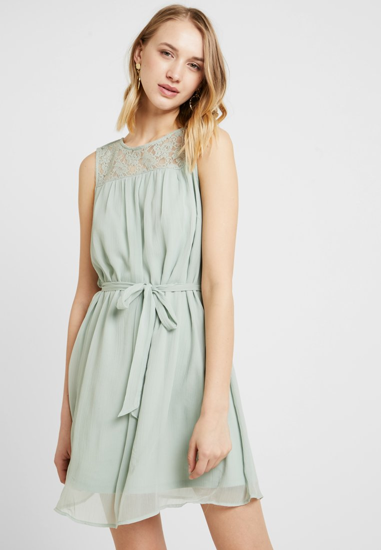 Vero Moda - VMALIA DRESS - Cocktailkleid/festliches Kleid - light green
