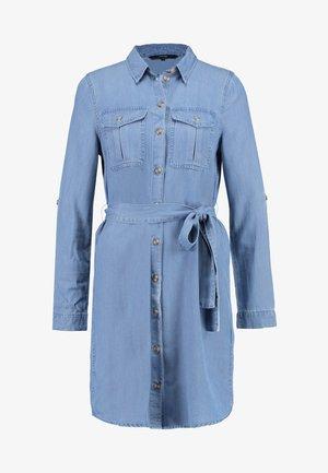 VMMIA LS REGULAR SHIRT DRESS GA - Robe en jean - light blue denim