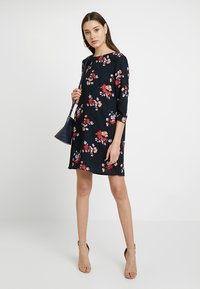 Vero Moda - VMGABBY 3/4 SHORT DRESS PRINTED - Vestito estivo - night sky - 1