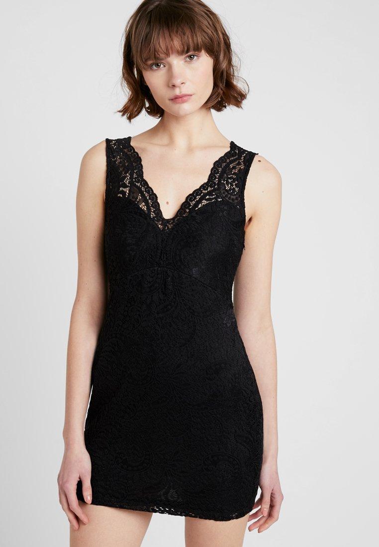 Vero Moda - VMCELEB MINI DRESS - Cocktailkjoler / festkjoler - black