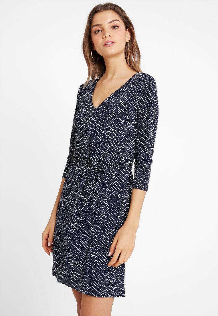 Vero Moda - VMTIA 3/4 SHORT DRESS  - Jerseykleid - night sky/snow white