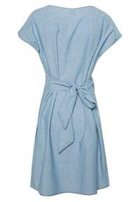 Vero Moda - VMMILEY TIE WAIST LOOSE DRESS - Kjole - light blue denim - 1