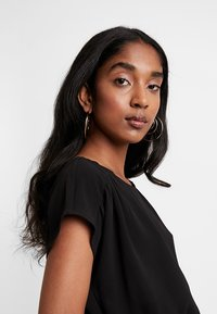 Vero Moda - VMSASHA BALI DRESS - Denní šaty - black - 4