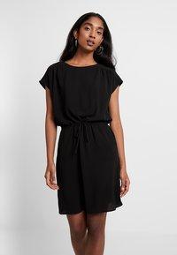 Vero Moda - VMSASHA BALI DRESS - Denní šaty - black - 0