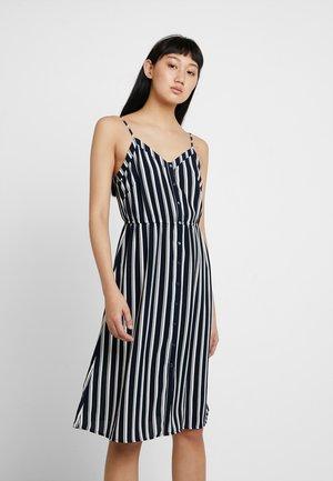 VMSASHA SINGLET DRESS - Blusenkleid - navy blazer/snow white