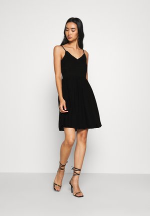 VMHONEY PLEATED SINGLET DRESS - Denní šaty - black