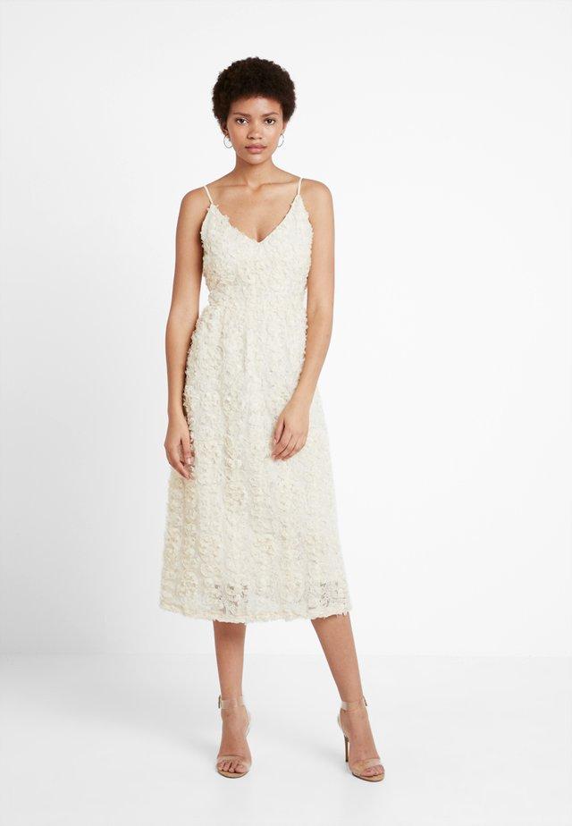 VMSHELLY DRESS - Cocktail dress / Party dress - birch