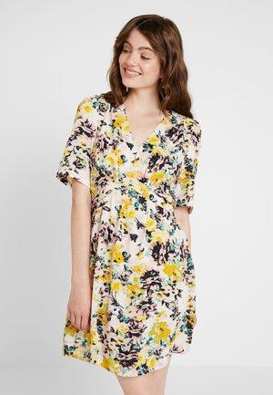 VMMIAMI SHORT DRESS - Kjole - pristine/miami